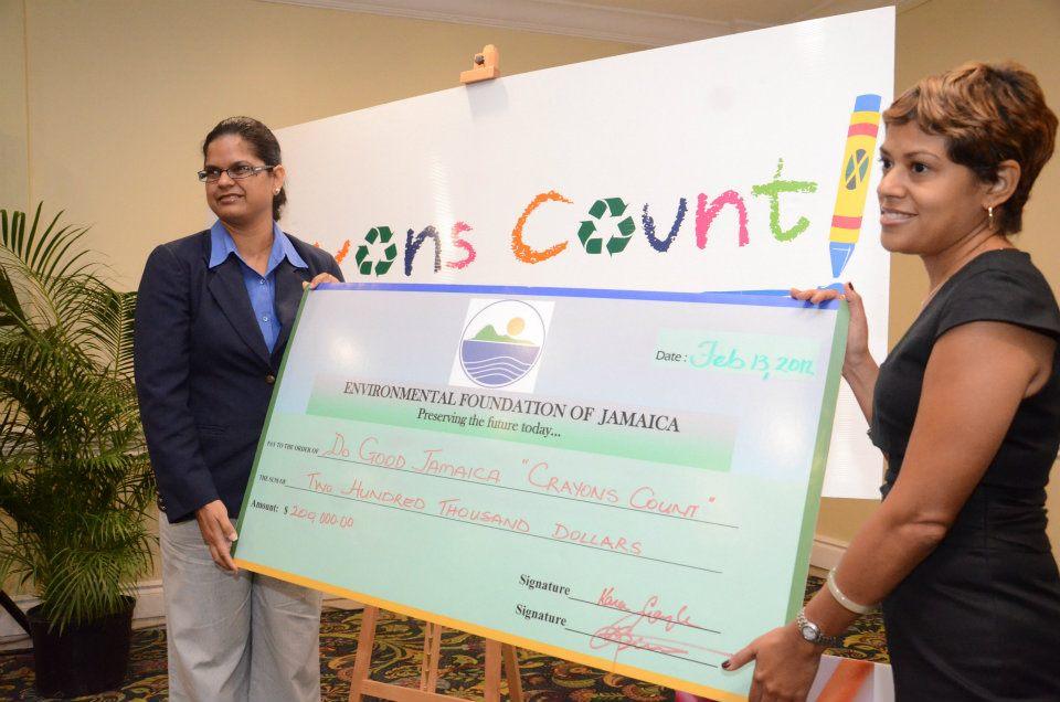 efj-donation-crayons-count